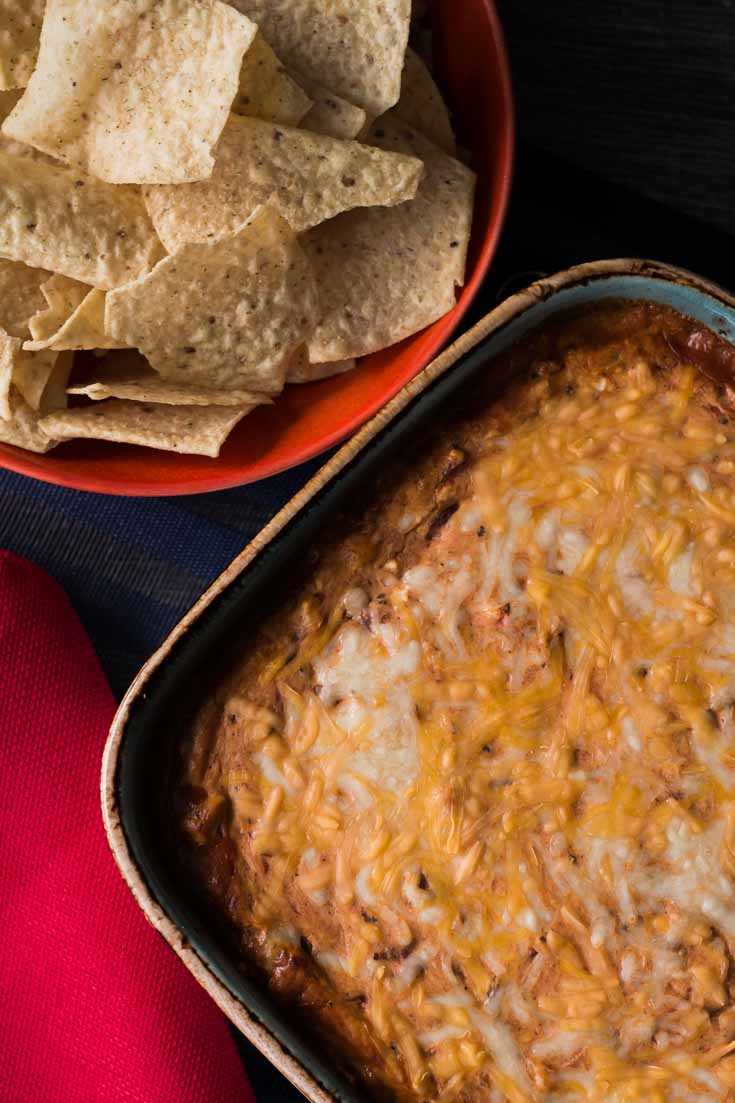 Fiesta Roasted Red Pepper Dip is the perfect appetizer or starter for any weekend party or Sunday football game. You can make ahead this recipe in 5 minutes for an easy dip with tons of flavors.Fiesta Roasted Red Pepper Dip is an easy 5-minute recipe. For appetizers/starters, Dips & Spreads, Basic/Easy to follow, Fast, Make Ahead, Vegetarian. Spoonabilities.com