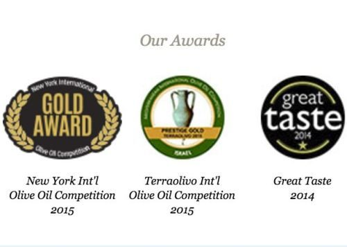 LIÁ premium extra virgin olive oil Awards seals. Spoonabilities.com